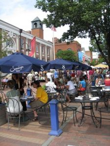 Outdoor seating at numerous restaurants, along with an attractive pedestrian-only retail area with a good mix of businesses, brings crowds to downtown Burlington, Vt.